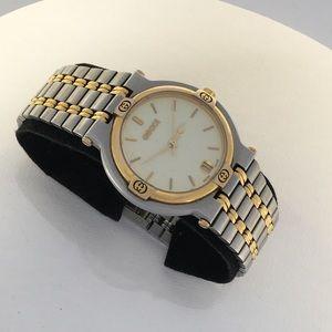 e1abb4a251e Gucci Watch Vintage 9000M Two-Tone